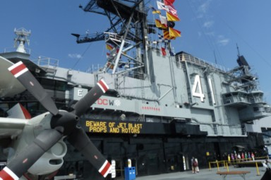 Museumsflugzeugträger USS Nimitz (CVN-41)