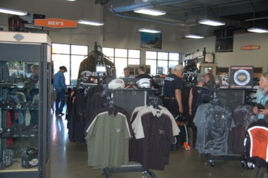 Power-Shopping im Harley-Store