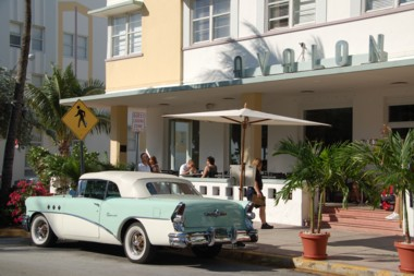 Am freien Tag in Miami Beach (Art Deco District)